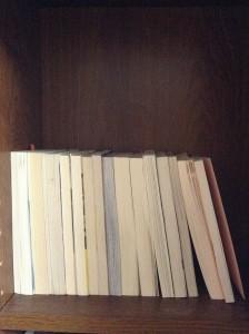 画像2:文庫本を並べてみた。