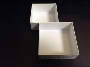 画像2:仕切り用の小箱×2個